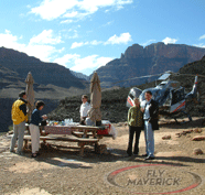 Tourist picnicing during their Maverick Grand Canyon Landing Tour