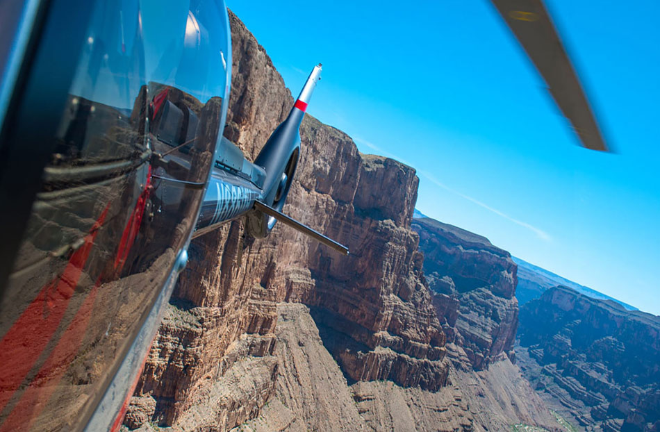Air tour over the Grand Canyon with Maverick