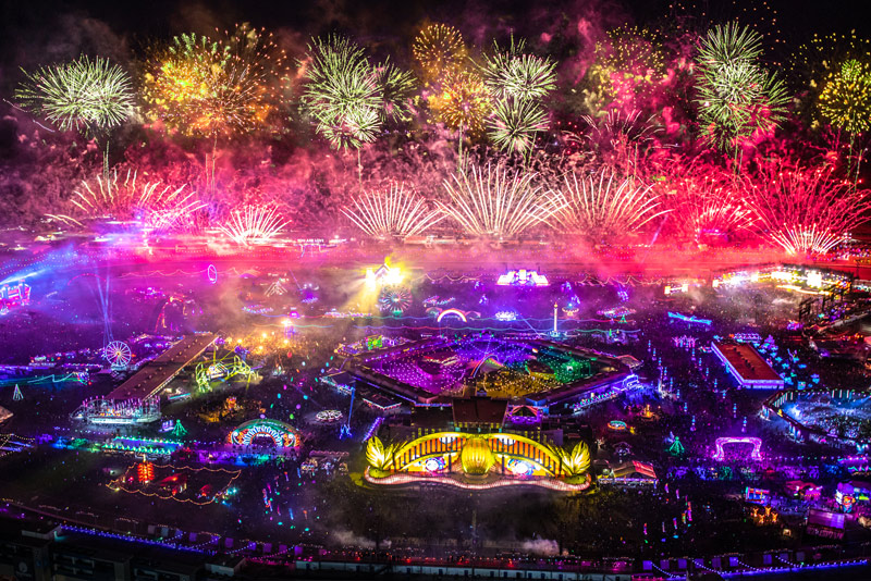 Electric Daisy Carnival in Las Vegas June 20-22, 2014. Book Today!