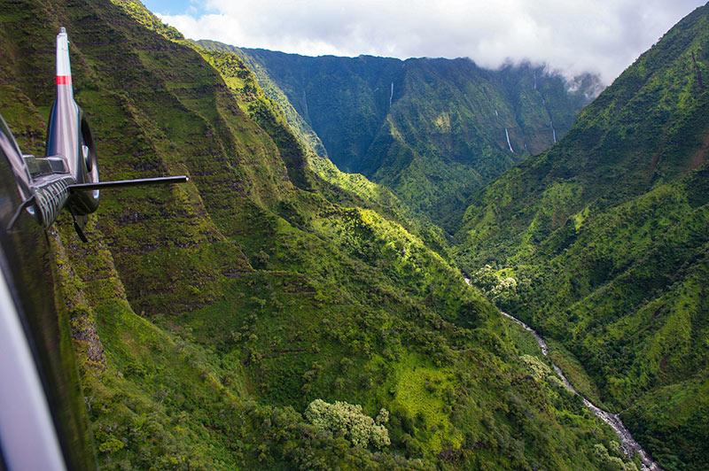 Helicopter Tour of Kauai   Hawaiian Helicopter Tour   808