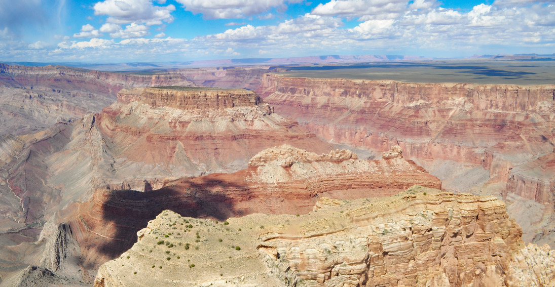 Sightseeing experience of Grand Canyon with a land and air tour