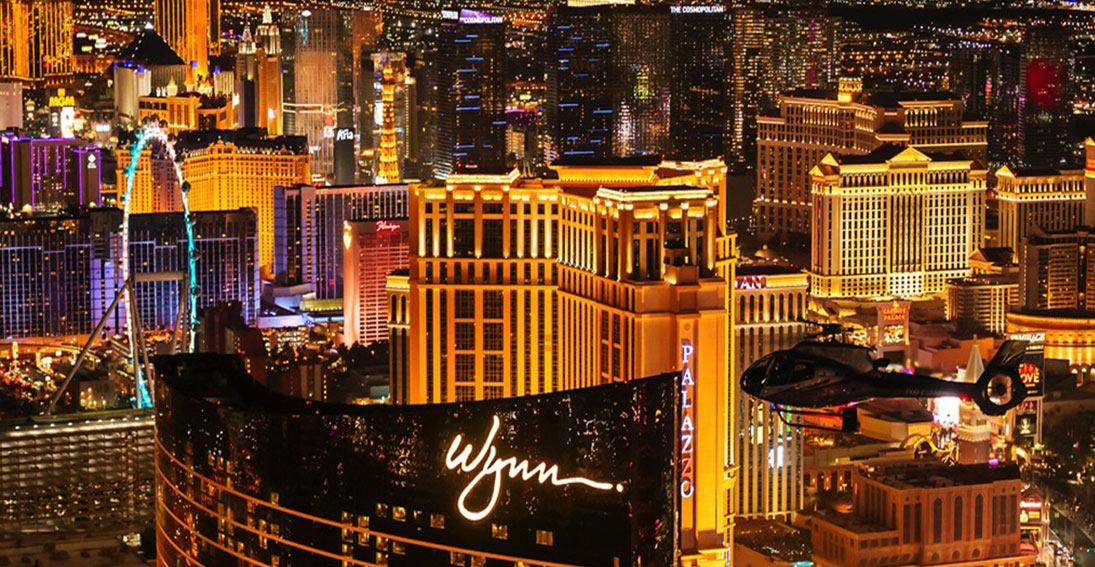 Fly high above the Las Vegas and see Wynn, Palazzo and High Roller