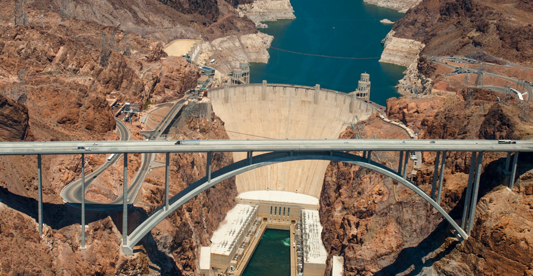 See amazing views of the Hoover Dam on your private helicopter proposal